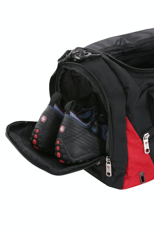 SWISSGEAR 1900 Duffel Shoe Pocket