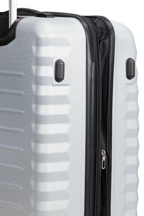 SWISSGEAR 3230 Expandable Hardside Luggage