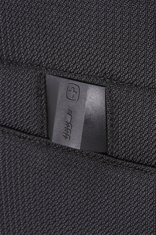 Swissgear 6067 Getaway 2.0 Carry-on/Garment w/ USB Upright USB port
