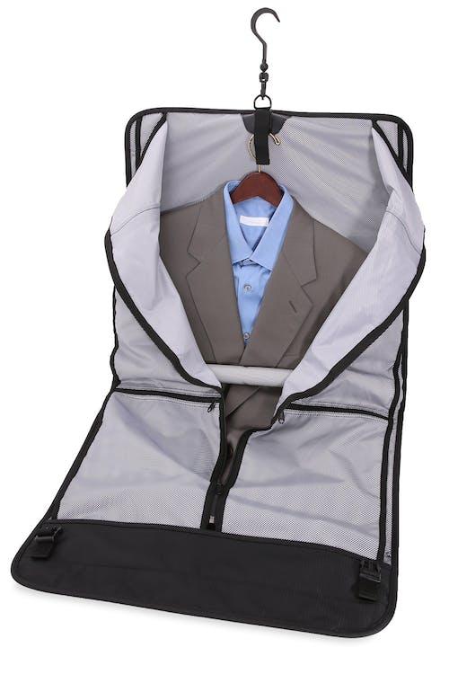 SWISSGEAR 6067 Getaway 2.0 Carry-on Garment Fully lined garment interior w/ hanger