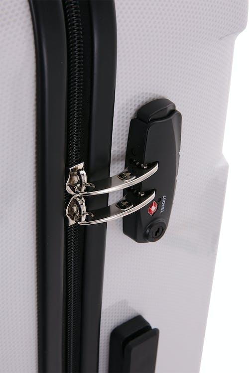 SWISSGEAR 6572 Hardside Spinner Zippered divider panel