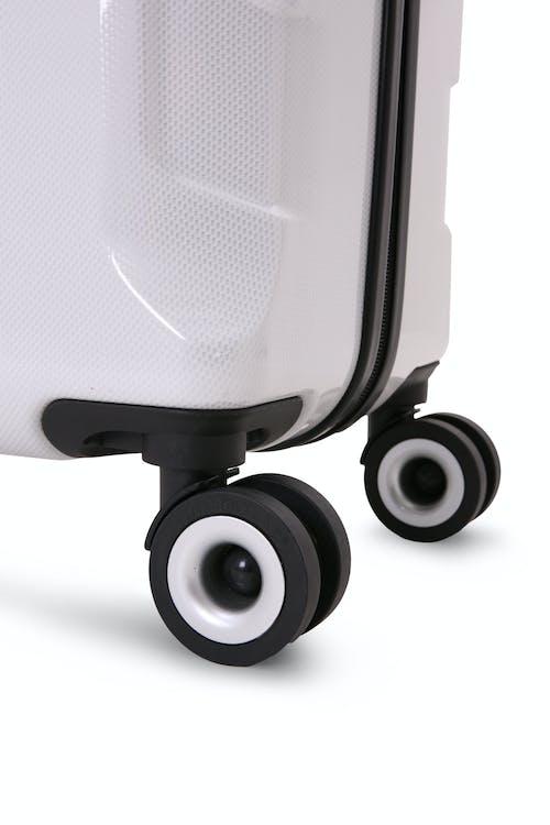 SWISSGEAR 6572 Hardside Spinner Eight 360 degree, multi-directional spinner wheels