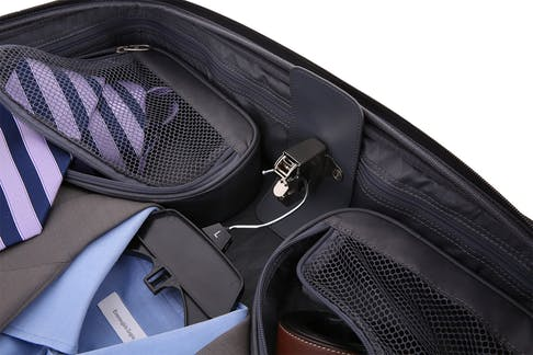 "SwissGear 6590 Geneva 20"" Carry On Luggage w/ Garment Bag Hanger attachment"