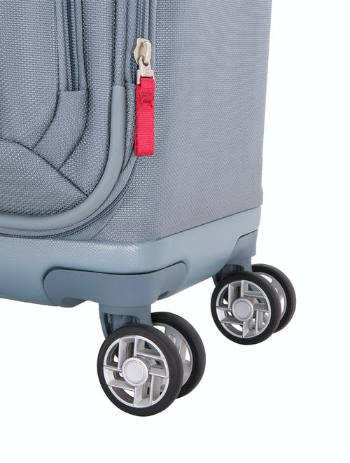"""Swissgear 7207 New Tensilite 19"""" Expandable Luggage Eight 360-degree, multi-directional spinner wheels"""