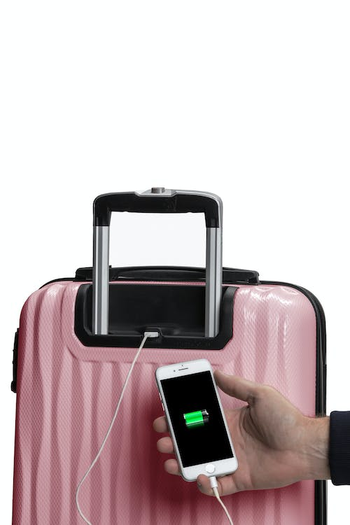 """Swissgear 7272 19"""" Energie Hardside w/USB Back USB port and internal cord to connect to power bank"""