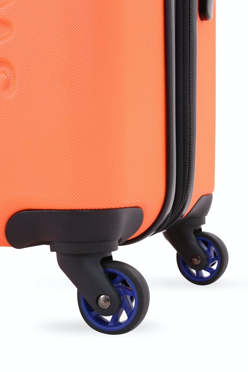 Swissgear 7366 Expandable Hardside Luggage Four 360-degree wheels for easy maneuverability
