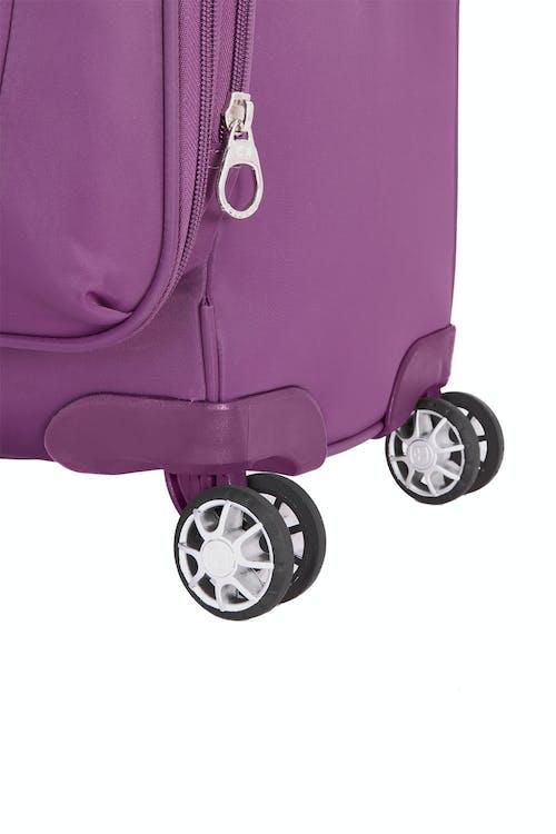 "Swissgear 7636 Geneva 20"" Eight 360 degree, multi-directional spinner wheels"