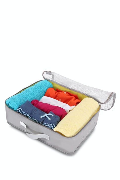"""SWISSGEAR 7669 15.5"""" Packing Cube zip-around closure"""