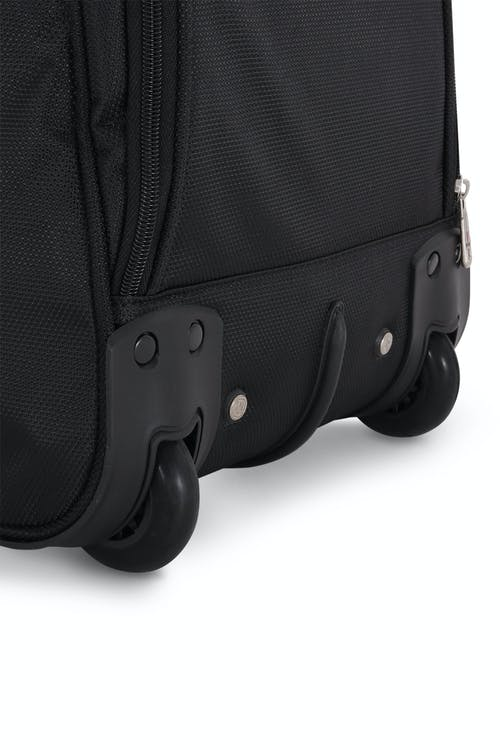"""Swissgear 7895 Zurich 22"""" Wheeled Duffle  Easily maneuverable and quiet wheels"""