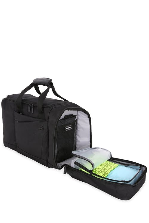 Swissgear 6067 Getaway 2.0 Sport Duffel back compartment