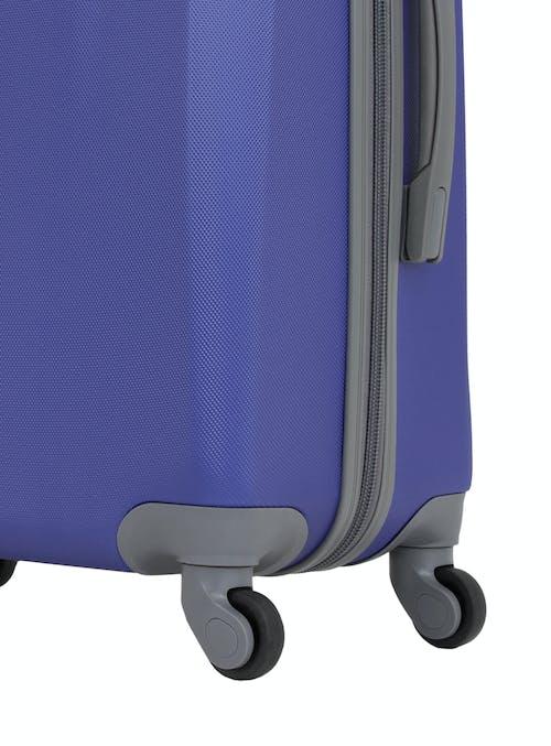 "Swissgear 6072 23"" Hardside Spinner Luggage 360-degree, multi-directional spinner wheels"