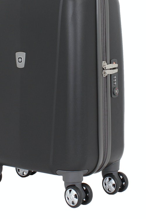 "SWISSGEAR 6150 20"" HARDSIDE CARRY-ON SPINNER LUGGAGE 360 DEGREE MULTI-DIRECTIONAL WHEELS"