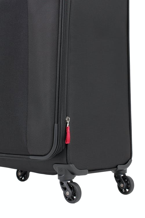 "SWISSGEAR 6165 20"" LITEWEIGHT CARRY-ON SPINNER LUGGAGE 360 DEGREE SPINNER WHEELS"