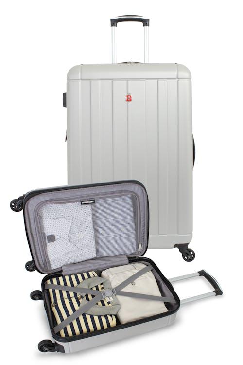 SWISSGEAR 6297 Expandable Hardside Spinner Luggage Zippered divider pocket