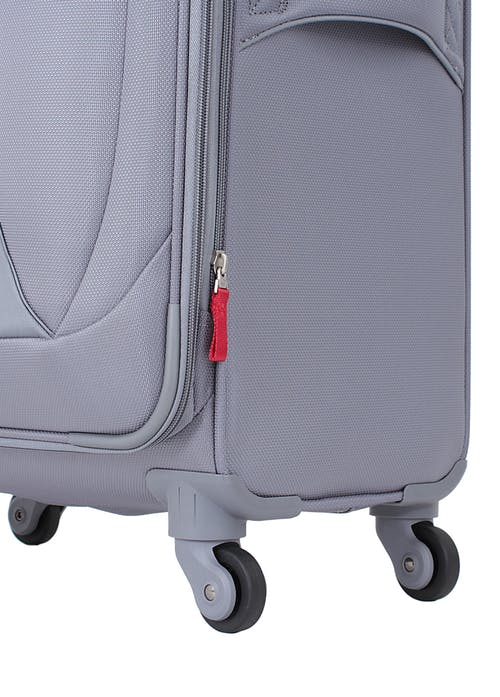 "Swissgear 7208 20"" Expandable Liteweight Carry-On Spinner Luggage 360-degree, multi-directional liteweight spinner wheels"