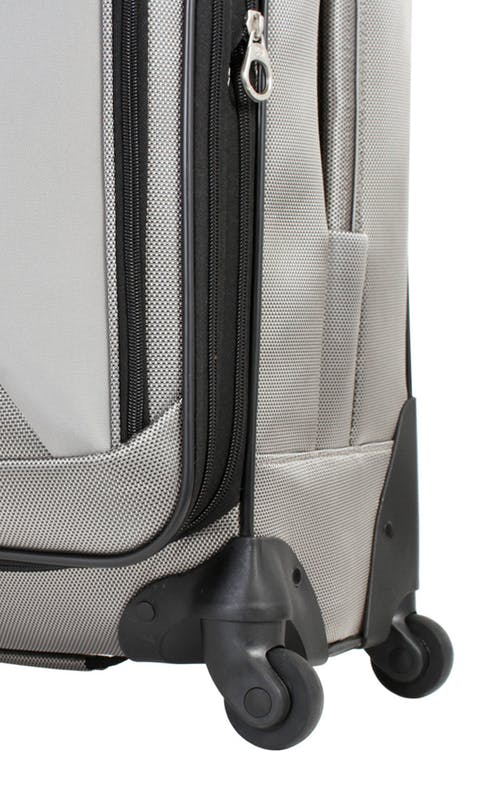 """SWISSGEAR 7211 20"""" EXPANDABLE CARRY-ON SPINNER LUGGAGE WHEELS"""