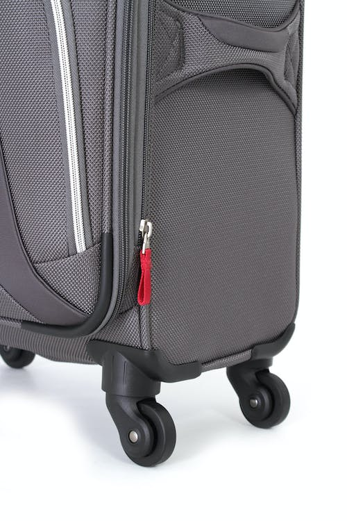 "Swissgear 7362 29"" EXPANDABLE LITEWEIGHT SPINNER LUGGAGE 360 DEGREE SPINNER WHEELS"