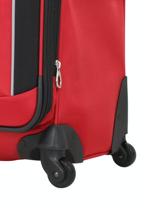 """SWISSGEAR 7378 20"""" EXPANDABLE CARRY-ON SPINNER LUGGAGE 360 DEGREE SPINNER WHEELS"""